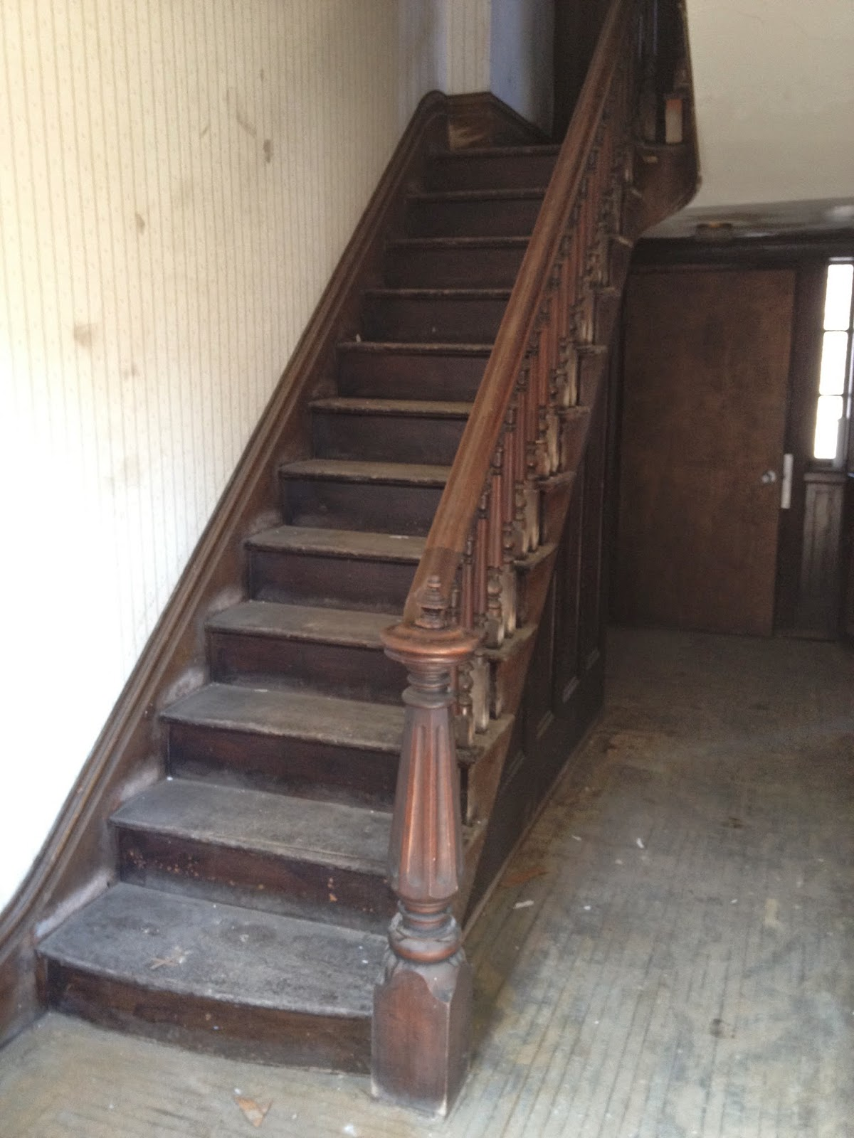 Victorian Newel Post Staircase Design