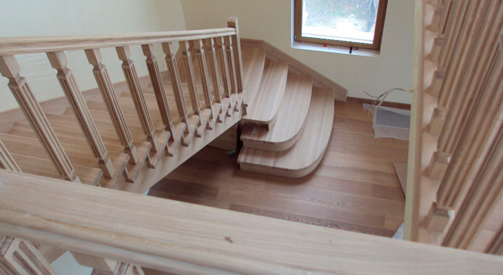 The Twist Of This Stairs Can Be Done Through Adapter Plate Or Through Two  Or Three Intermediate Stages.