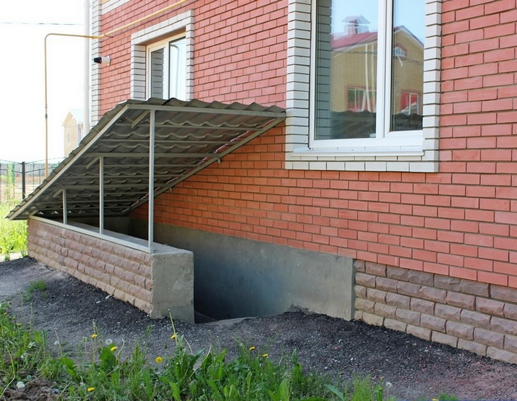 During The Construction Of Exterior Concrete Stairs With Your Hands, It Is  Desirable To Make The Upper Tier Above The Level Of The Sidewalk: The  Resulting ...