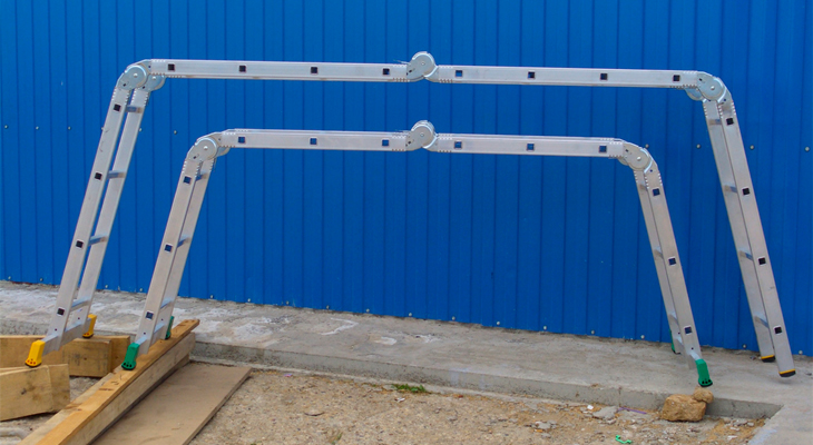Aluminum step-ladder