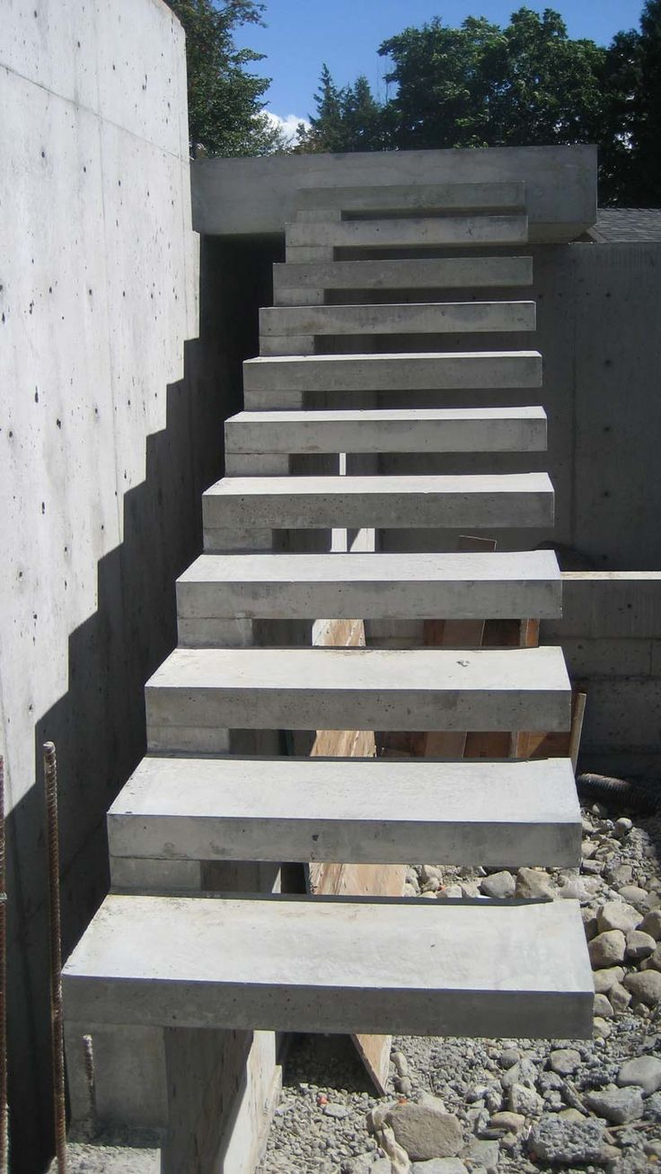 Concrete stairs in private homes. Decorating concrete stairs do it yourself 30